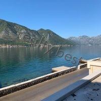 Вилла в Черногории на берегу Которского залива