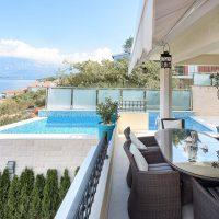 Шикарная вилла с бассейном и панорамным видом на море. Черногория