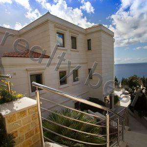 Luxurious three-storey villa, Rezevici